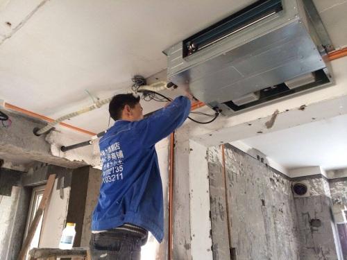 准确无误,无交叉缠绕;空调要采用专用分支电路,容量要满足大于空调器